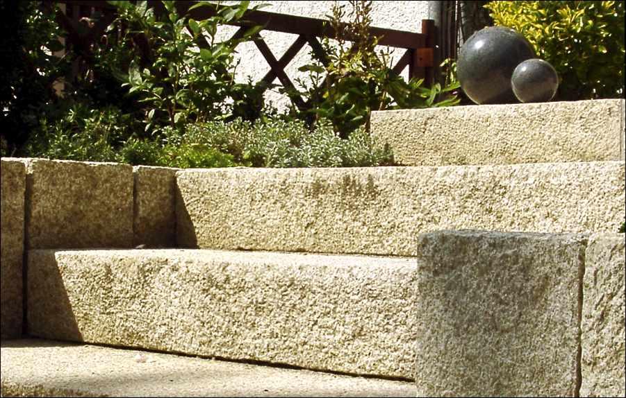 Blockstufen stein